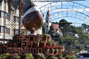 Decoração da Páscoa en Gramado